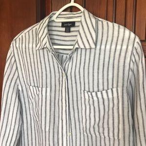 Lord & Taylor Linen Shirt, SzL.                B13